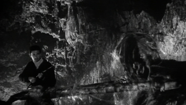 beast_from_haunted_cave_1959_01.jpg